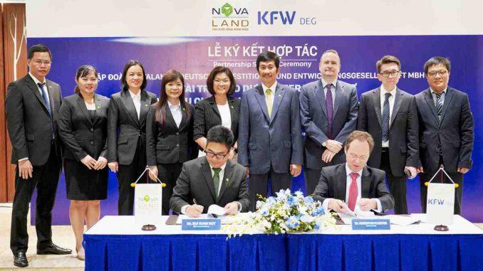 Ông Bùi Xuân Huy – Lễ ký kết hợp tác của Tổng Giám đốc Novaland ký kết với đại diện DEG