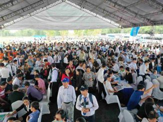 Hơn 1.500 khách hàng tham quan dự án Gem Sky World sáng ngày 14/6.