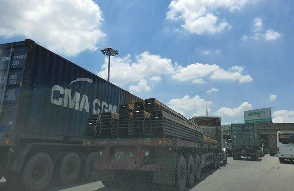 Đoạn nút giao cao tốc TPHCM - Long Thành với quốc lộ 51 hiện nay thường xuyên kẹt xe do quá tải trên cao tốc