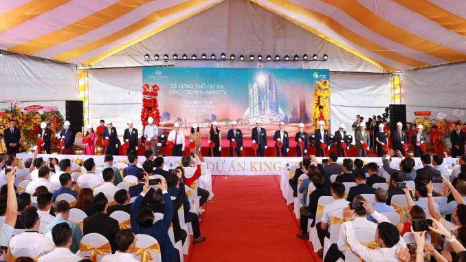 Đại diện chủ đầu tư, đơn vị phát triển dự án cùng các đơn vị đồng hành tham gia triển khai dự án King Crown Infinity thực hiện nghi thức động thổ
